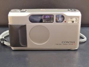 コンタックス T2